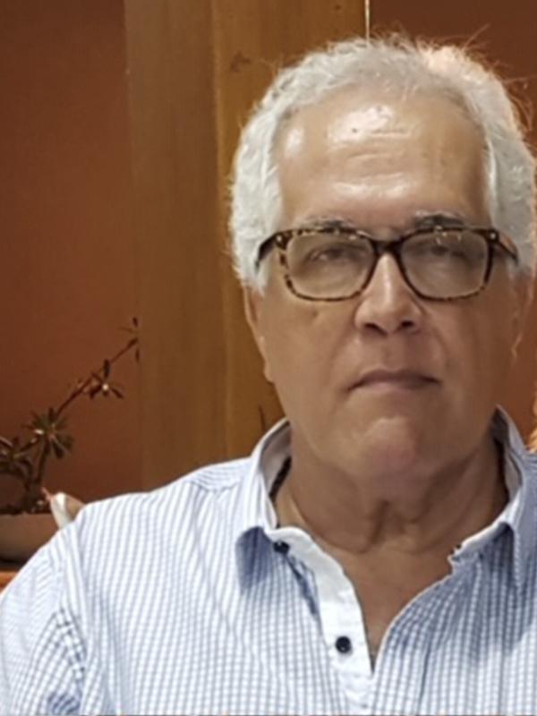 Picture of Dr. José R. Simões Neto